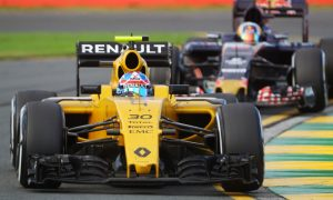 Palmer frustrated to miss points in first F1 grand prix