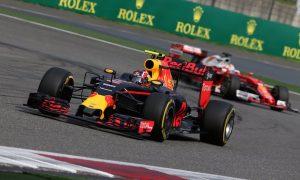 Vettel left Kvyat 'an enormous gap' - Horner