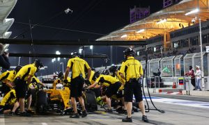 Magnussen handed pit lane start penalty
