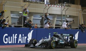 Rosberg beats Raikkonen to win in Bahrain