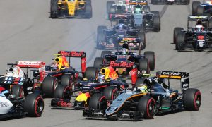 Ricciardo demands apology from Kvyat