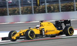 Magnussen wins Driver of the Day award in Russia