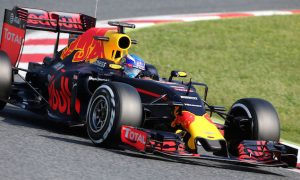 Verstappen tops second morning of Barcelona test