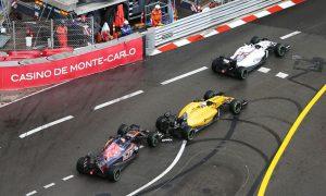 Kvyat 'lost his mind' in crash - Magnussen