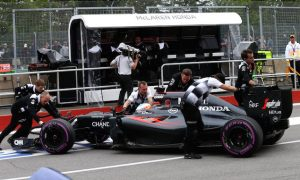 Alonso: Honda 'maybe ahead of Mercedes' at same point
