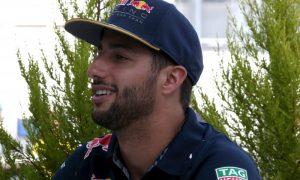 Red Bull rivalry pushing team forward - Ricciardo