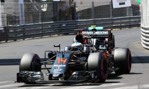McLaren hopes development rate can offset car weaknesses