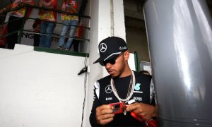 Hamilton unmoved by new Rosberg contract