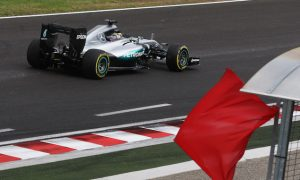 Mercedes advantage cut after Hamilton crash in FP2