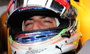 Ricciardo content with 'sitting second best'