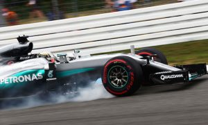 Hamilton 'not worried' about gap to Rosberg