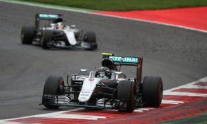Mercedes still pushing hard - Lowe