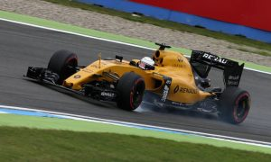Magnussen: 'I'm not going to beg' for Renault seat