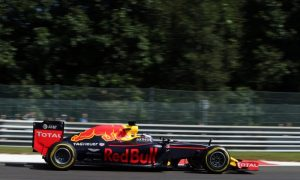 Red Bull keeps its options open with split tyre strategies