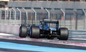 Mercedes gets first taste of Pirelli's 2017 tyres
