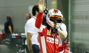 Vettel storms to 2015 Singapore GP pole