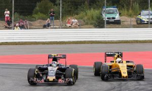 Sainz unlikely to be allowed to join Renault - Tost
