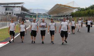 Romain Grosjean column: Haas can build momentum for 2017