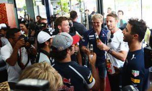 GALLERY: Button celebrates 300th grand prix start