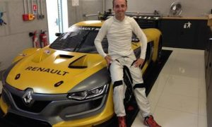 Kubica to star in Renault Sport Trophy cameo