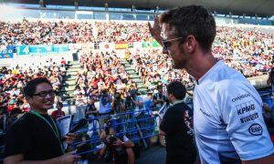 Button to focus on improving team, not car in 2017