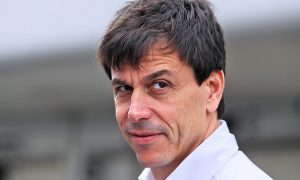 Wolff hoping for 'spectacular' racing in 2017