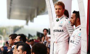 Hamilton 'working the longest hours' - Rosberg