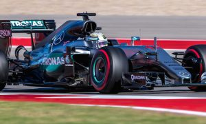 Hamilton beats Rosberg to pole position in Austin