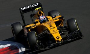 Renault's Vasseur impressed with Palmer's 'strong race'