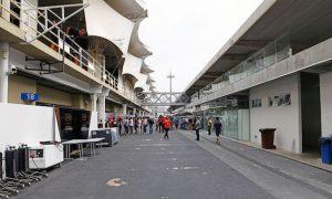 Sainz likes 'friendly and cosy' Brazilian GP paddock
