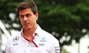 Wolff warns Verstappen Sr over Max influencing title