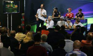 Vettel, Ricciardo disagree on moving under braking penalty