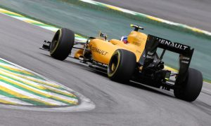 Palmer: 2017 Renault 'looks awesome and is quick'
