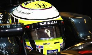 JB: 2009 helmet 'the only good thing' in tough Friday