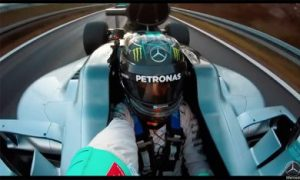 Video: Rosberg takes his W07 for one last spin and a selfie!