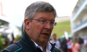 Brawn tips Mercedes to remain 'strong' in 2017