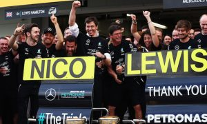 Mercedes delays driver announcement to next year