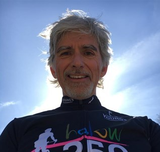 Damon Hill peddles for HALOW, and for a good cause