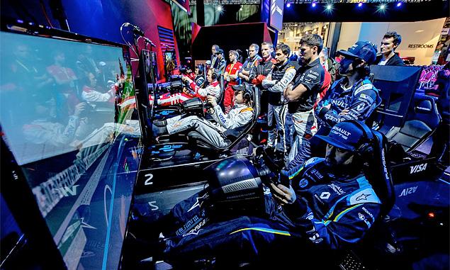 Sim racer Bono Huis beats Formula E stars in Vegas eRace