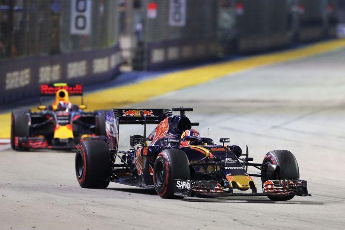 Battle with Verstappen in Singapore saved Kvyat's seat