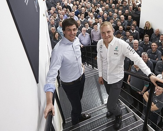Wolff deals with driver conflict of interest