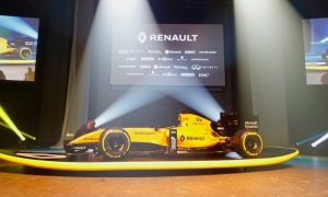 Video: Renault hard at work before launch day