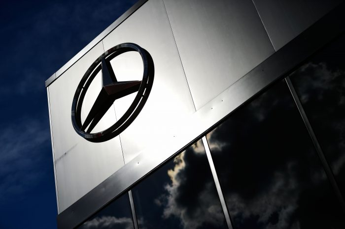 All Mercedes teams to use latest engine spec in Oz