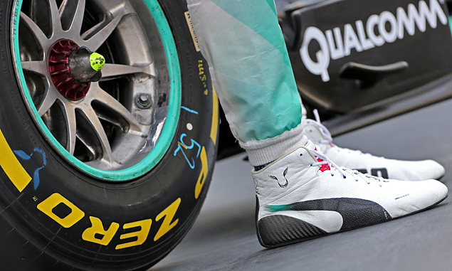 Hamilton objects to 'disgusting' shoey trend