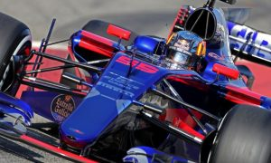 Engine woes hit Toro Rosso: Sainz hoping for better second week
