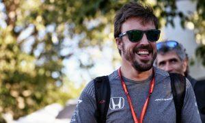 Fan goes bonkers for Fernando, and it's great!