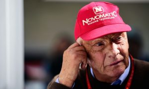 Lauda back in intensive care after recovery setback!