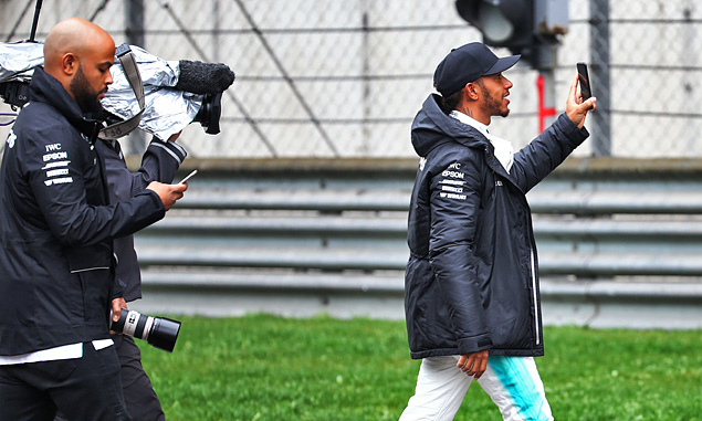 Hamilton calls for 'switch up' in race weekend format