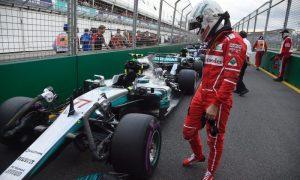 Eddie Jordan: 'Vettel is talking to Mercedes'