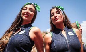Fans overwhelmingly want F1 to keep the grid girls on show!
